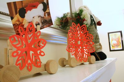 christmas card holder with paper snowflakes