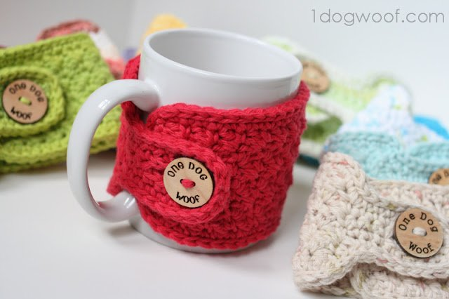 Crocheted Mug Cozies | One Dog Woof | #crochet #giftidea #Christmas