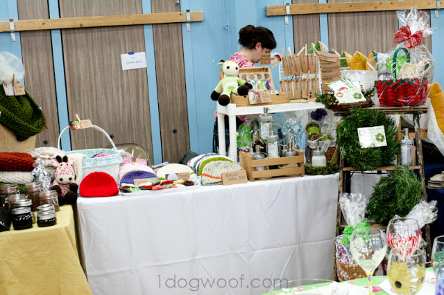 One Dog Woof: Craft Show Tips