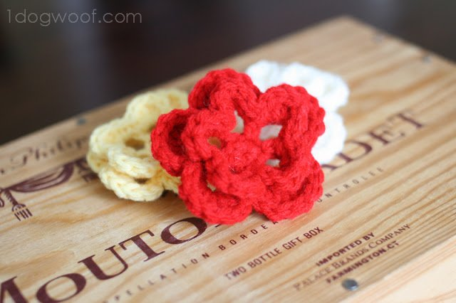 One Dog Woof: Pattern for Simple Crochet Flower