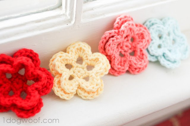 One Dog Woof: Free Pattern for Crochet Flower