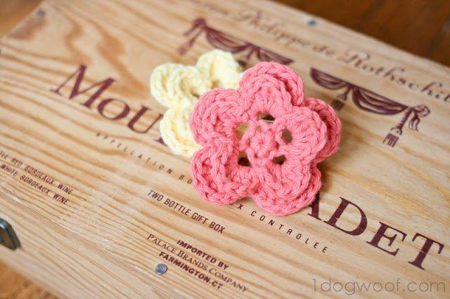One Dog Woof: 5-Petal Crochet Flower Pattern
