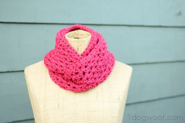 Free Crochet Scarf Patterns featured by top US sewing blog, Flamingo Toes: One Dog Woof: Double Strand Infinity Scarf