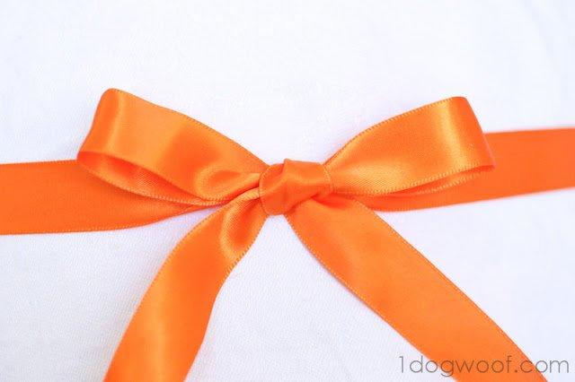 One Dog Woof: Tying Ribbon Bow Tutorial