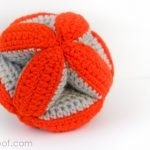 Baby Clutch Ball from Petals to Picots