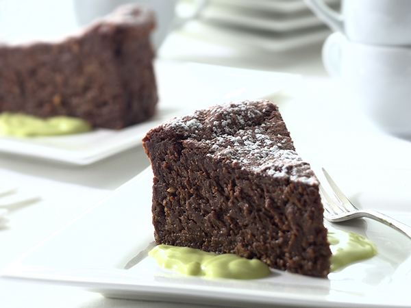 avocado-chocolate-cake-slice