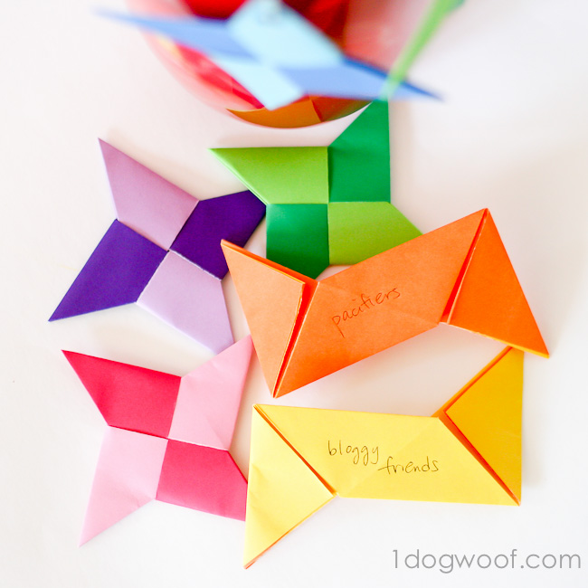 Ninja Star Thankful Ornaments | One Dog Woof | #ornament #Christmas #Thanksgiving #origami
