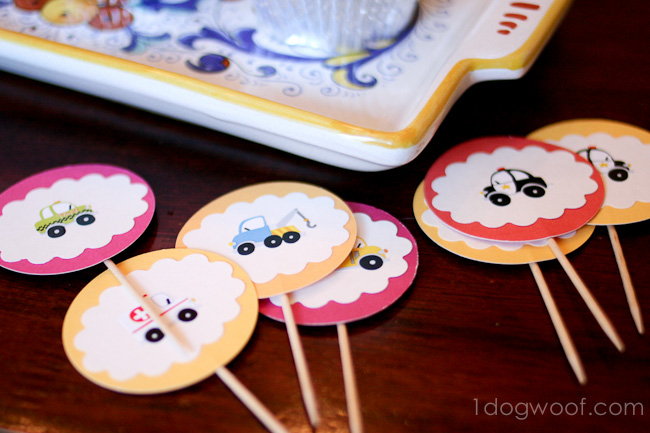 Make cupcake toppers using cardstock and stickers, 10 min project!