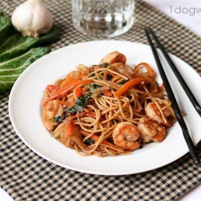 Quick and Healthy Lo Mein Recipe with Barilla White Fiber Pasta