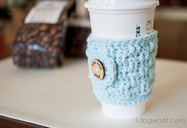 Free crochet pattern for basketweave cup cozy