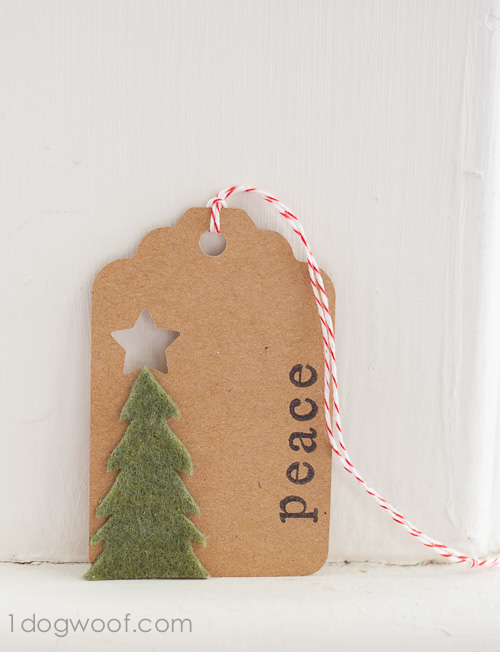 Felt Christmas Tree: A simple piece of felt for a simple peaceful gift tag. www.1dogwoof.com
