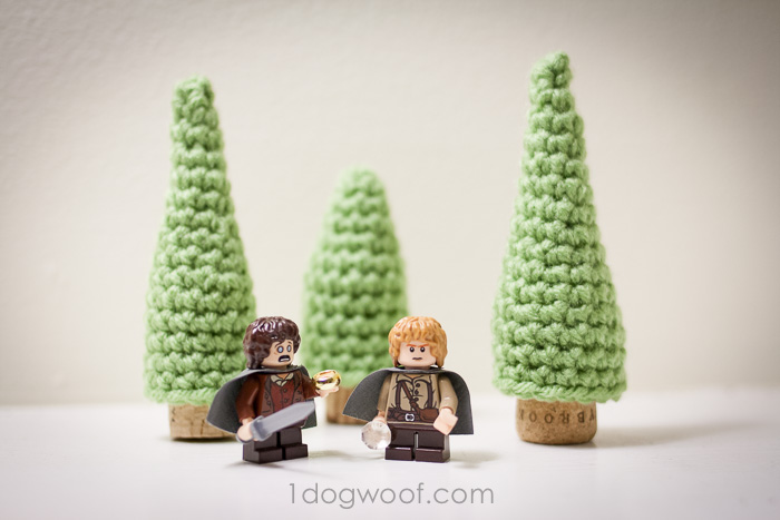 Crochet these little evergreen trees for Christmas or for fun!  www.1dogwoof.com