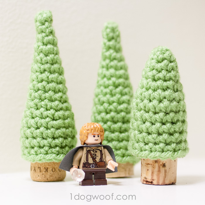 pine trees crochet pattern