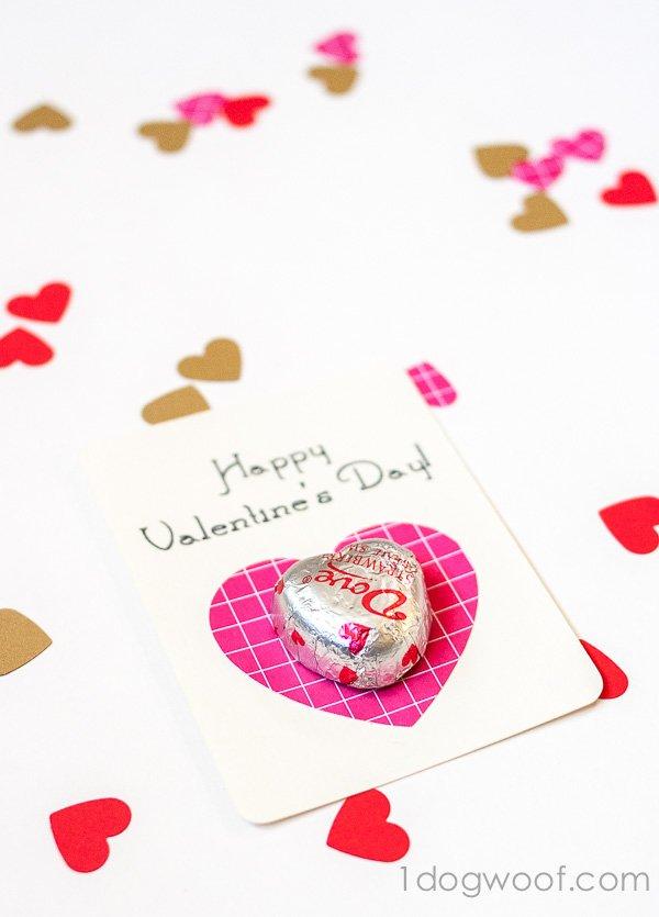 Simple chocolate heart valentine using Dove chocolates. 1dogwoof.com
