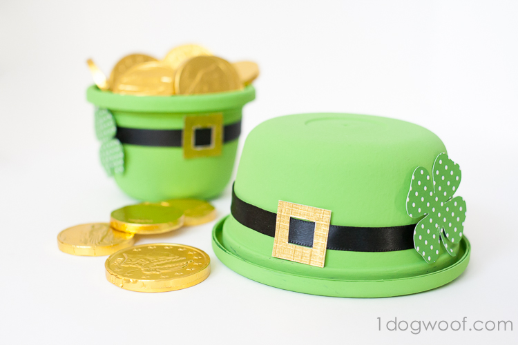Leprechaun Hat Treat Bowl | www.1dogwoof.com