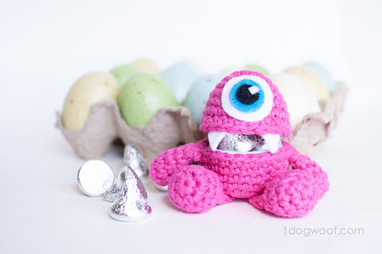 Little Monster Easter Egg Crochet Pattern, holds treats! | www.1dogwoof.com