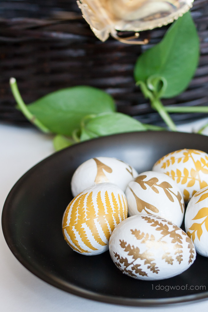Fern Leaf Silhouette Easter Eggs | www.1dogwoof.com