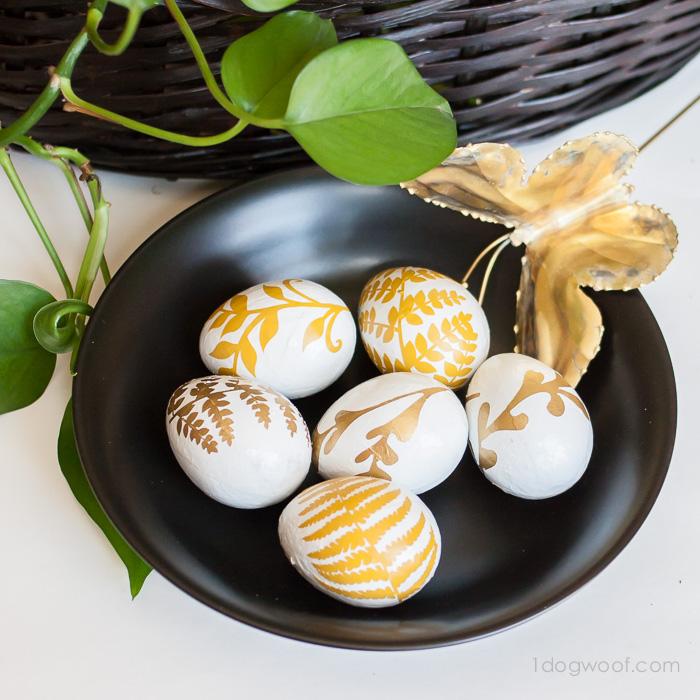 Fern Silhouette Easter Eggs | www.1dogwoof.com