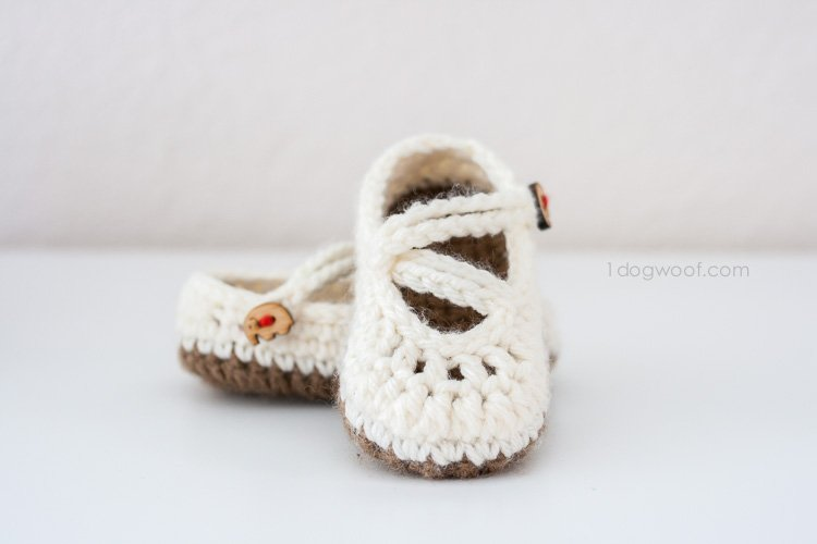 Free Crochet Pattern For Mary Jane Baby Slippers : Double Strapped Baby Mary Janes Crochet Pattern