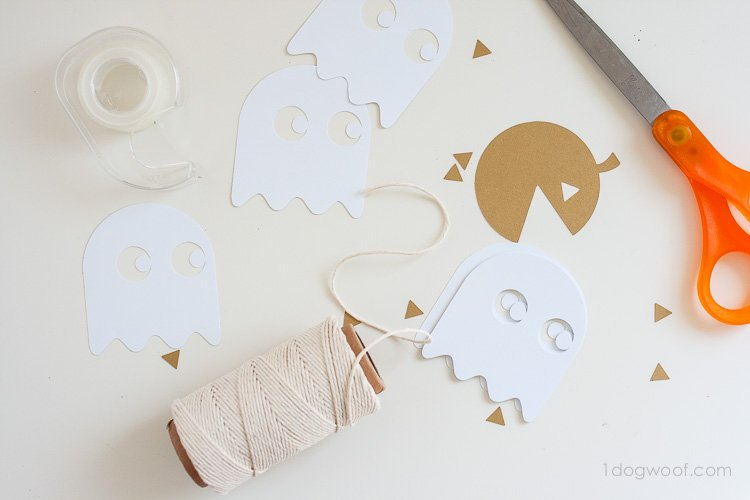 Free templates for a pac-man halloween garland | www.1dogwoof.com