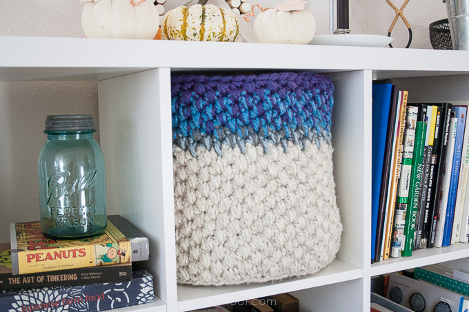 Crochet basket to fit Ikea shelf | www.1dogwoof.com