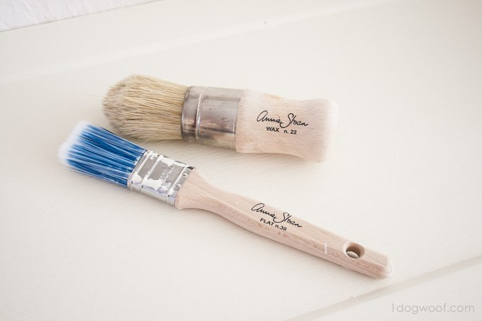 Annie Sloan paint and wax brushes are awesome! | www.1dogwoof.com
