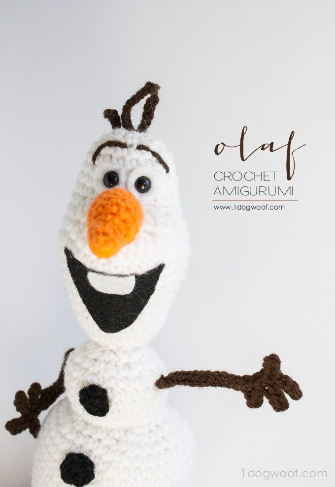 Amazing Olaf from Frozen crochet pattern. Great gift idea! | www.1dogwoof.com