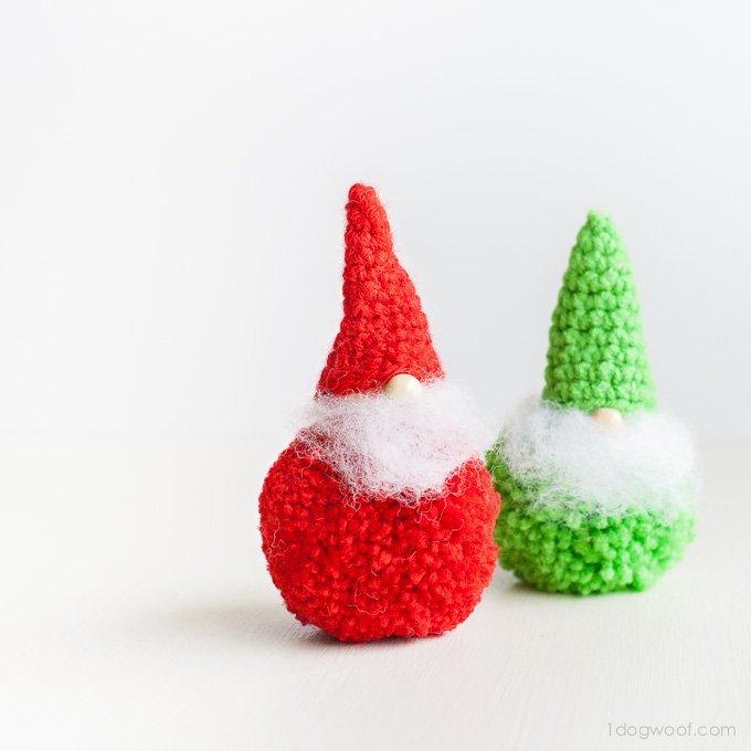 Pom-pom Gnomes {Crochet Pattern}