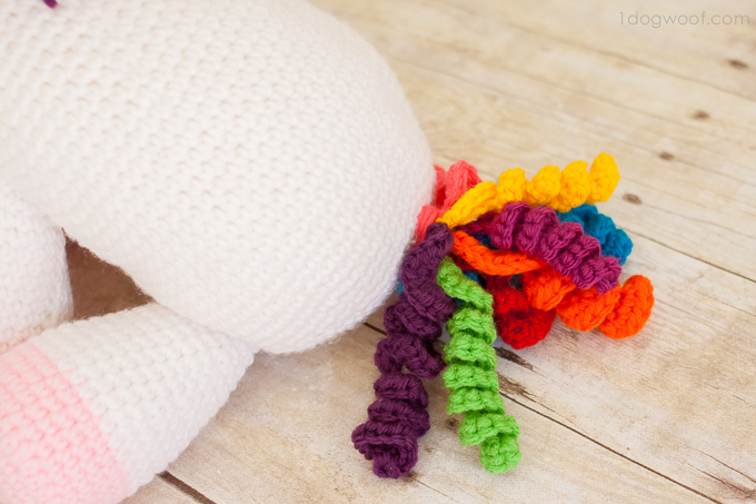 curlie cue tail, crochet unicorn | www.1dogwoof.com