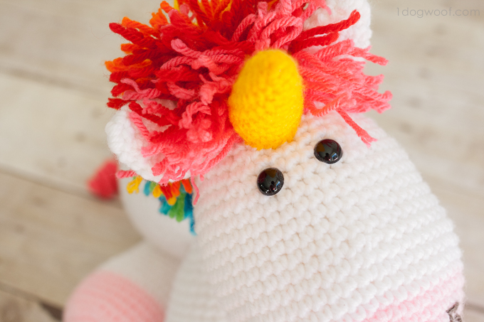 Crochet unicorn, free pattern! | www.1dogwoof.com