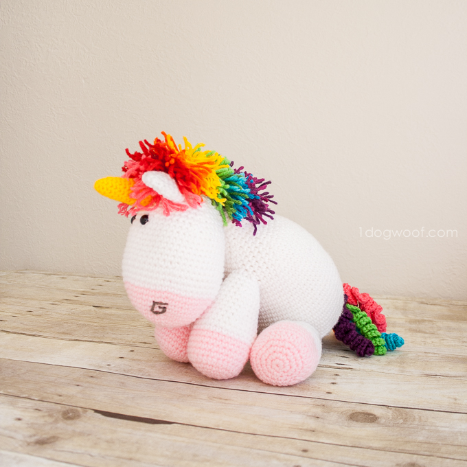 Crochet unicorn, free pattern | www.1dogwoof.com