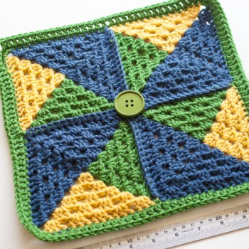 pinwheel_granny_square-1