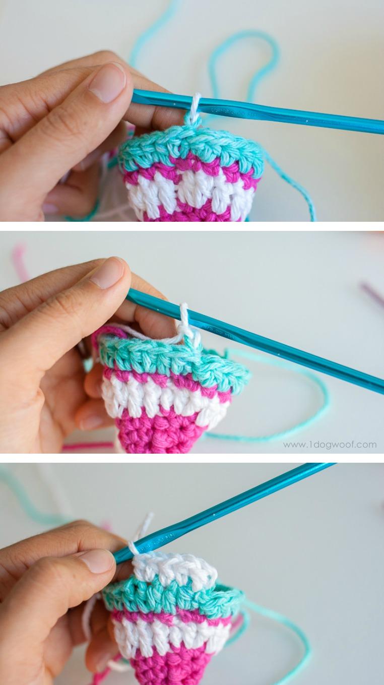 Perfectly seamless crochet stripes.   www.1dogwoof.com
