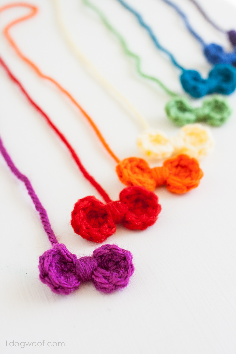 A sweet and simple rainbow of crochet mini bows. | www.1dogwoof.com