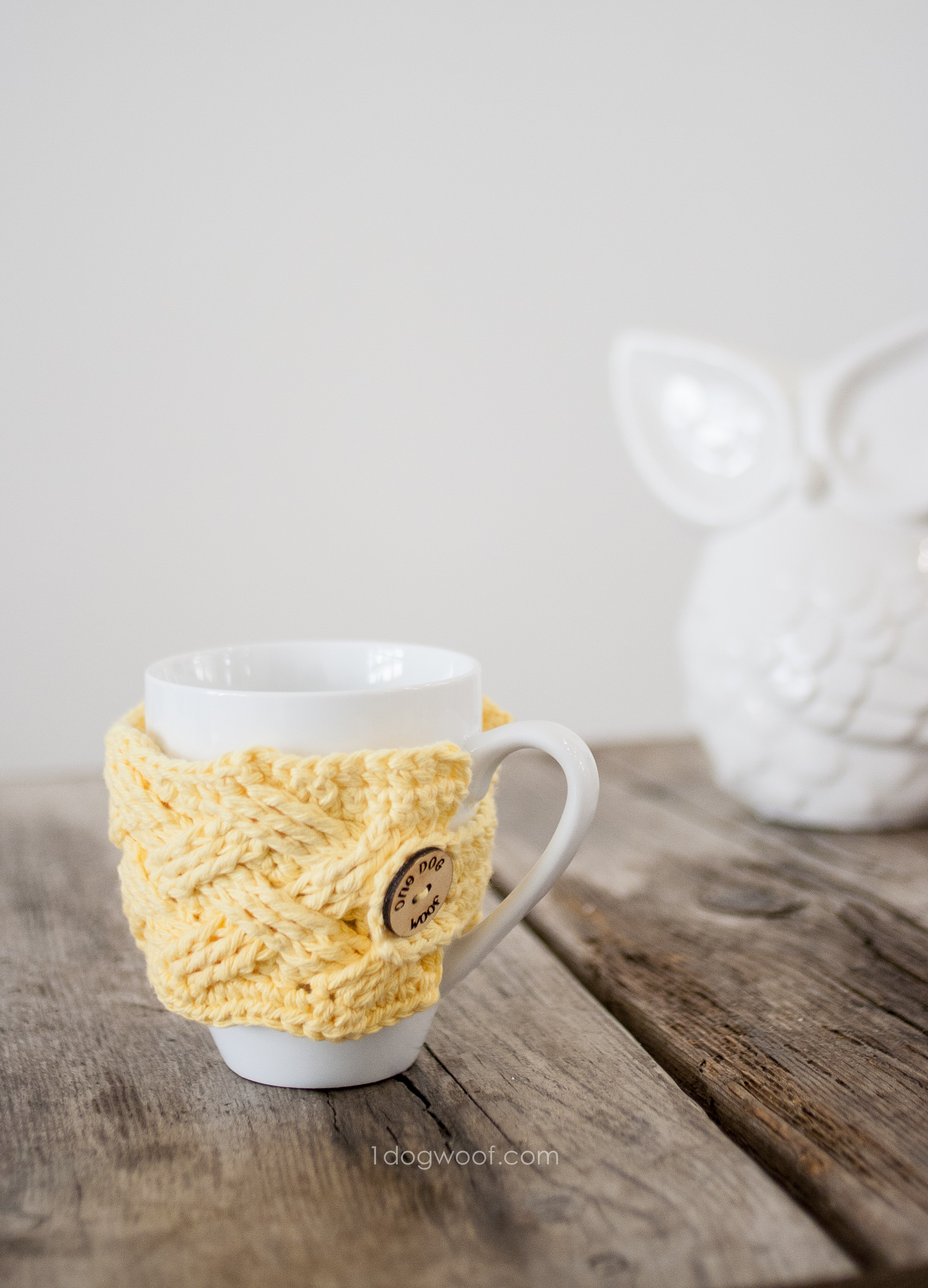 Woven Cables Mug Cozy Crochet Pattern | www.1dogwoof.com