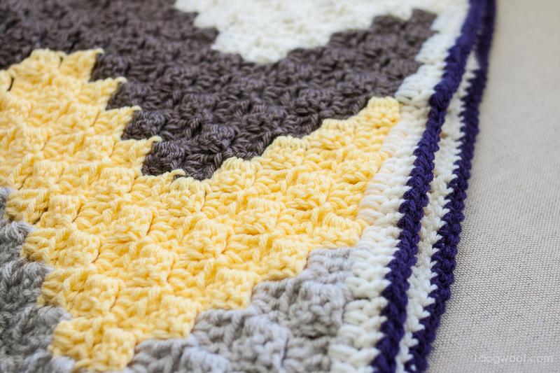 C2C Chevron Baby Blanket | www.1dogwoof.com