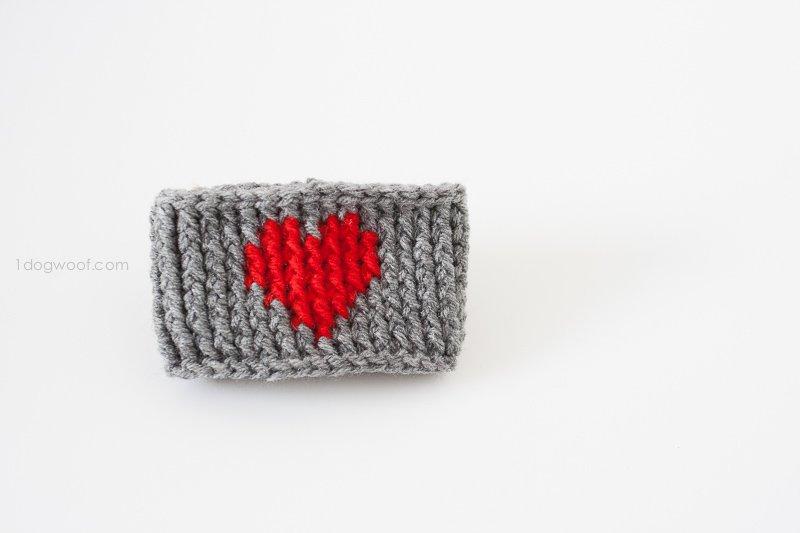 Heart Cup Cozy. Free pattern by www.1dogwoof.com