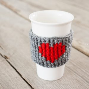 Heart Cup Cozy. Free pattern by www.1dogwoof.com