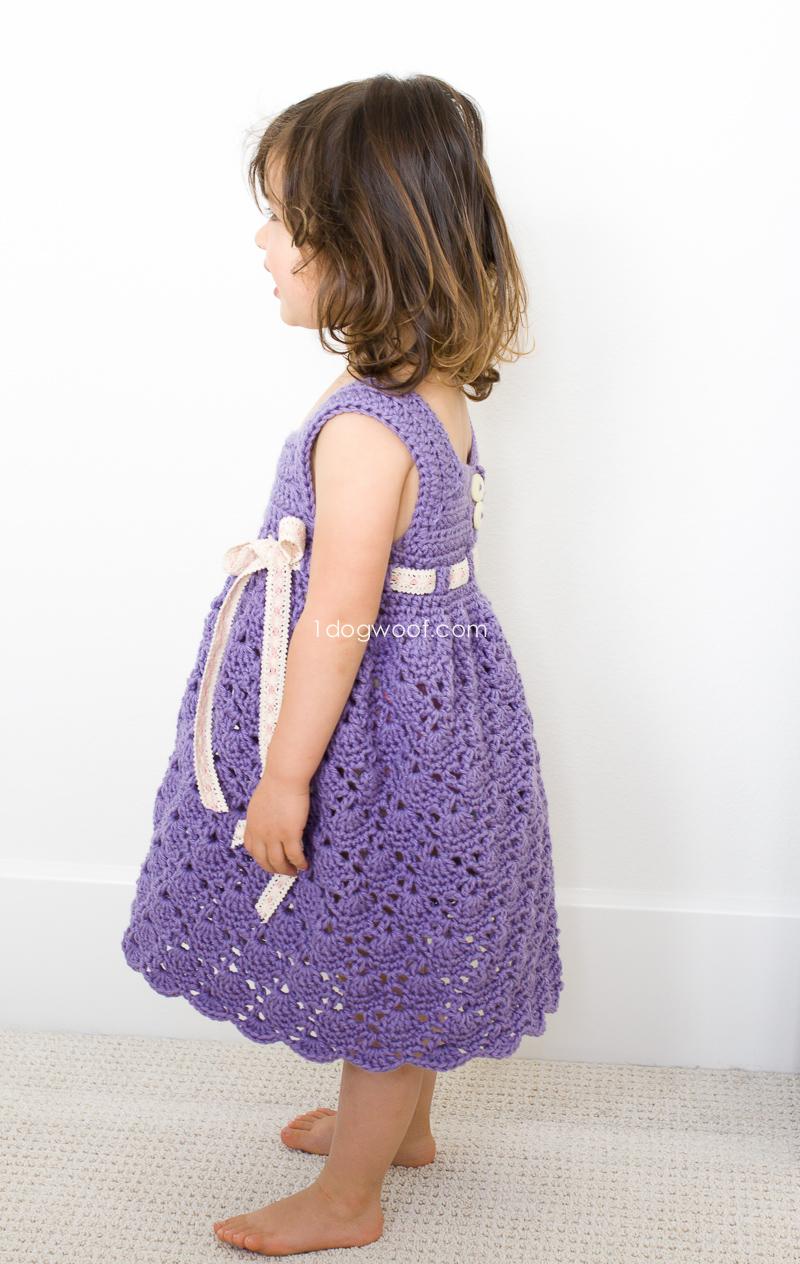 Adorable crochet toddler dress | www.1dogwoof.com