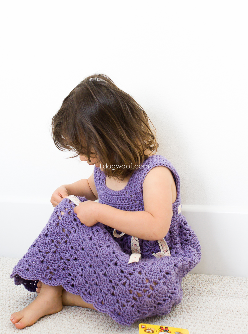 Adorable crochet toddler dress | www.1dogwoof.com