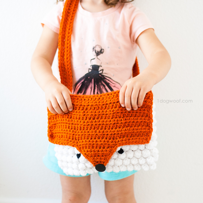 Free pattern for crochet fox purse by 1dogwoof