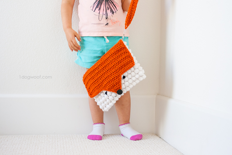 crocheted fox messenger bag using a free pattern