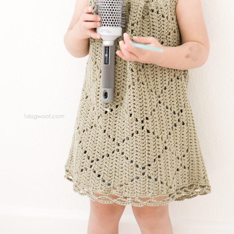Crochet this tunic dress with a modern diamond motif. Free pattern!