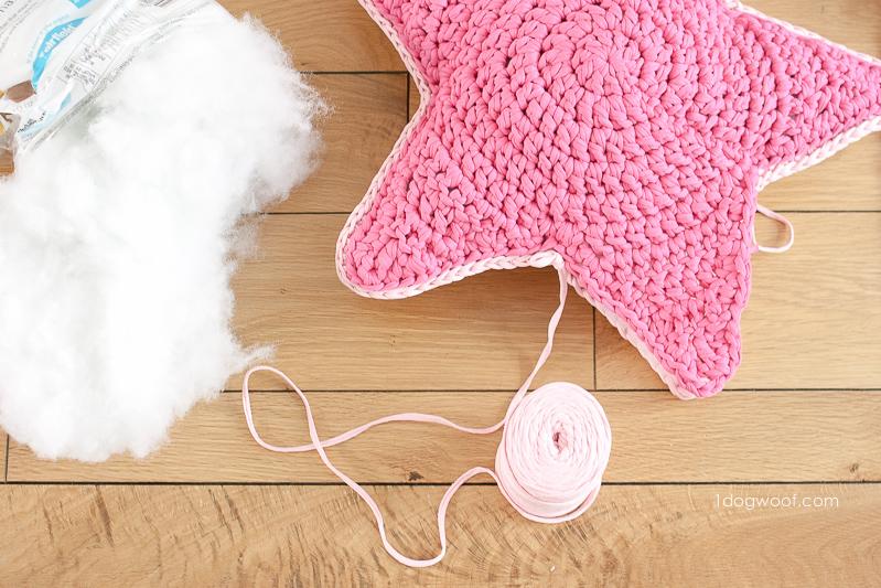 Adding edging to a crochet star pillow