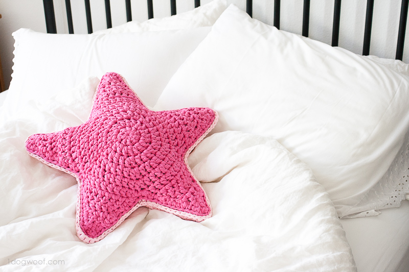 Crochet star pillow