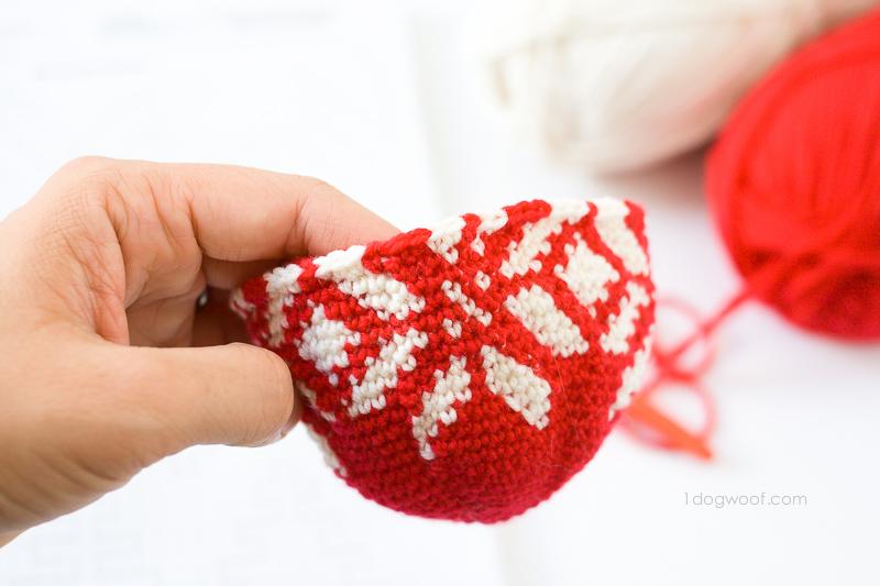 Fair Isle Snowflake Ornament, free crochet pattern | 1dogwoof.com