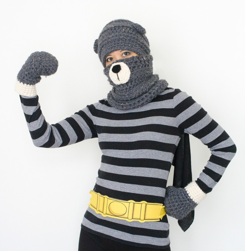 Yarn hero costume