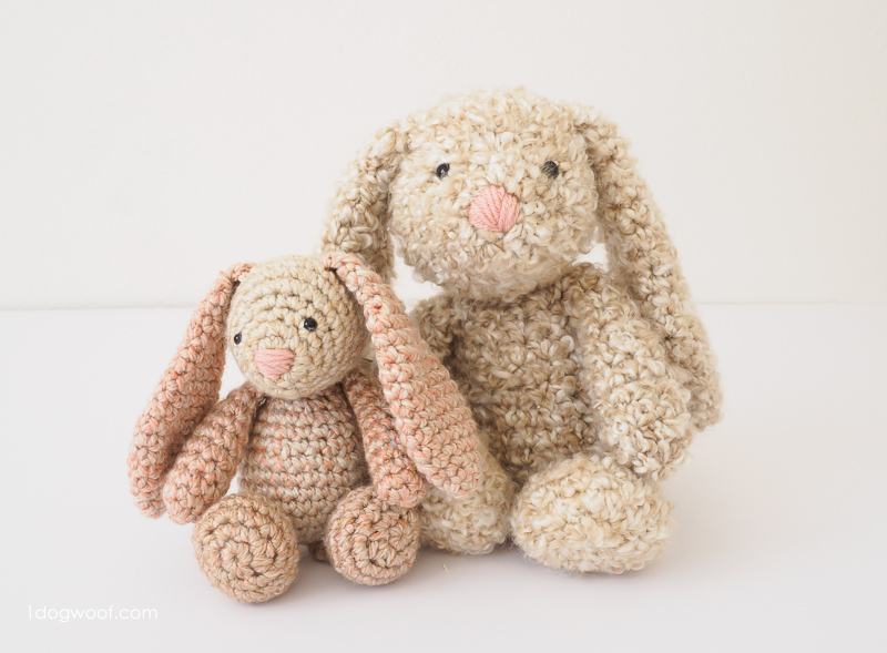two sizes of stuffed animals made from one crochet pattern