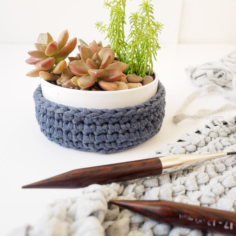 diy succulent holder with crochet holder