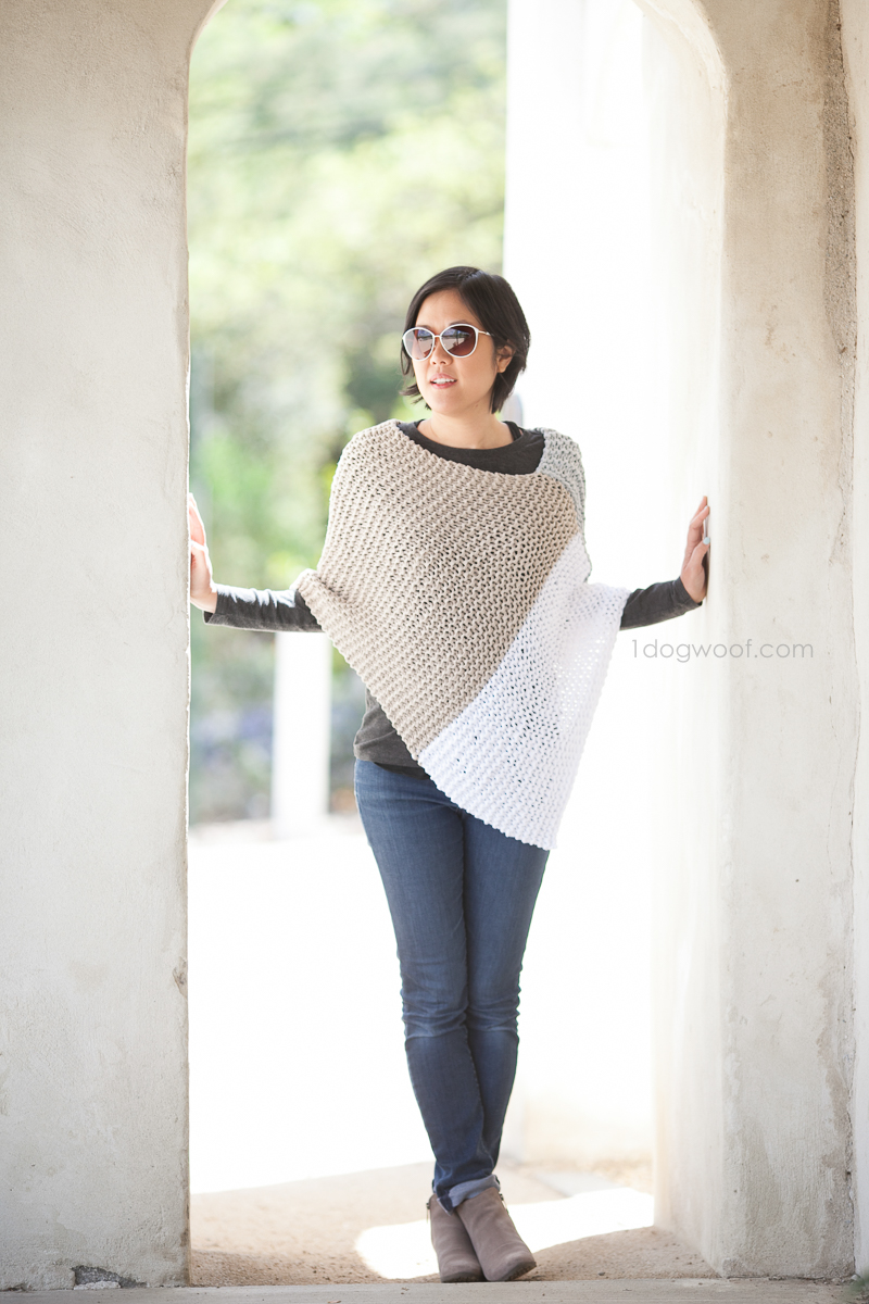 easy knit Catalunya Colorblock poncho. Jeune Girl Studio